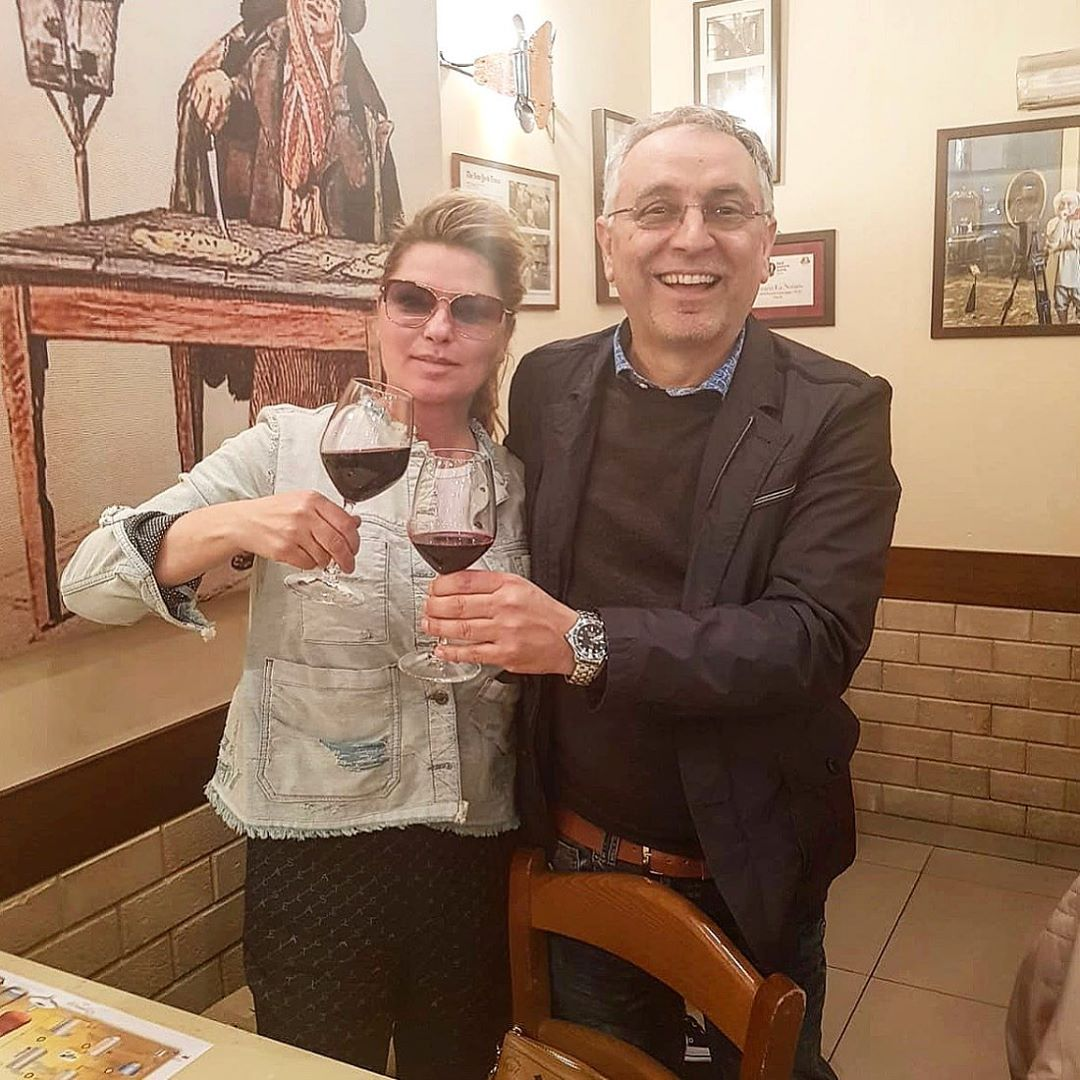 450774936 PIC (with owner Enzo Coccia)   Shania went to Pizzeria La Notizia in  Naples